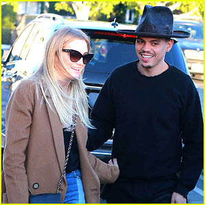 Ashlee Simpson & Evan Ross Are All Smiles Out in WeHo