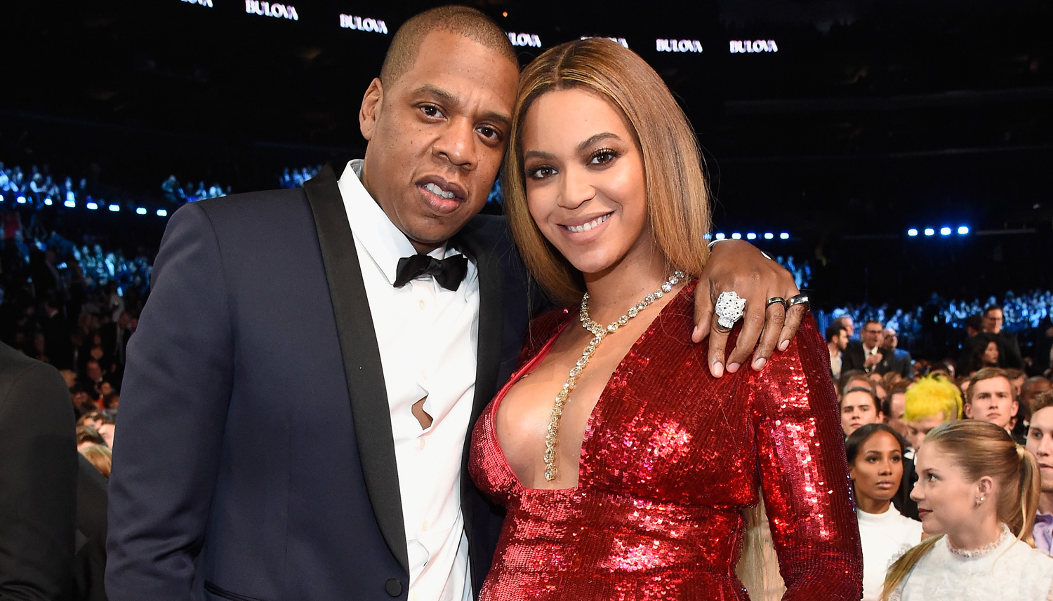 pregnant beyonce stuns in red dress at grammys 2017 with