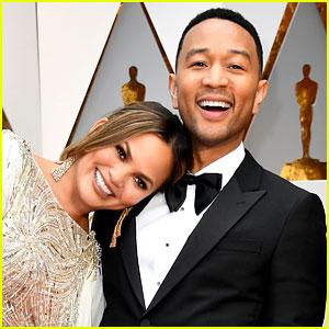 Chrissy Teigen Napped on John Legend's Shoulder During Oscars 2017! (Video)