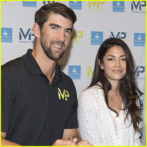 Michael Phelps & Wife Nicole Enjoy Romantic Night in Paris