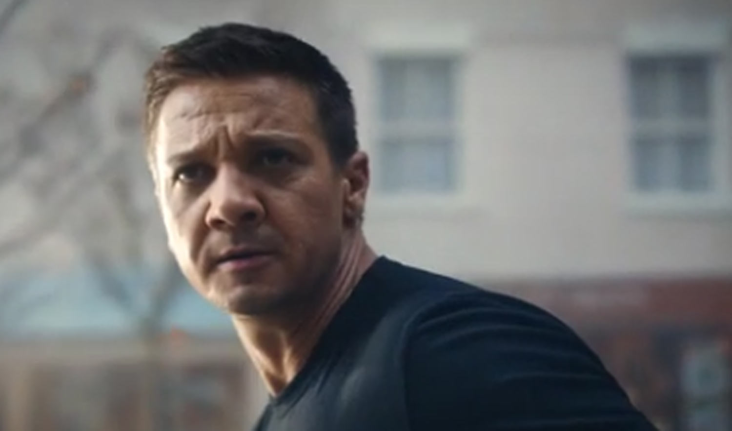 Jeremy Renner Saves th...