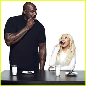 Shaquille O'Neal & Chrstina Aguilera Launch 'OREO's Dunk Challenge!'