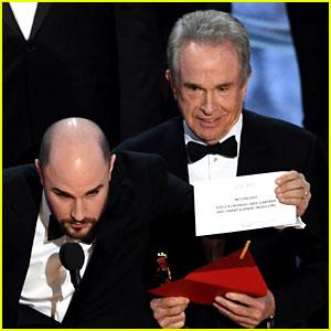 Warren Beatty Explains Shocking Oscars' Mess-Up After Reuniting with Faye Dunaway (Video)