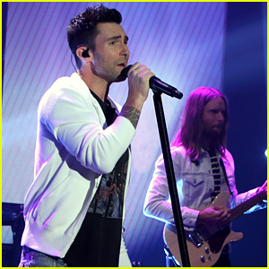 Watch Maroon 5's First Live Performance of New Song 'Cold'