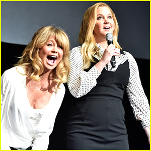 Amy Schumer & Goldie Hawn Share New Clip of 'Snatched' at CinemaCon 2017! (Video)