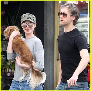 Anne Hathaway & Husband Adam Schulman Take Parenting Break For Grocery Store Run