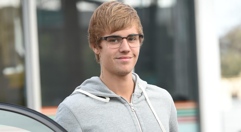 Justin Bieber Hits the Ice With West Point Hockey Team ... джастин бибер слушать
