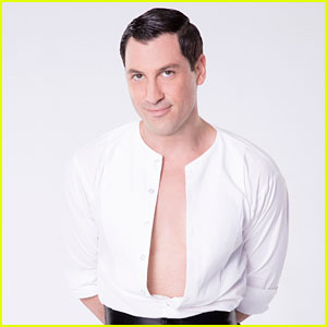 Maksim Chmerkovskiy Has Surgery on Injured Calf