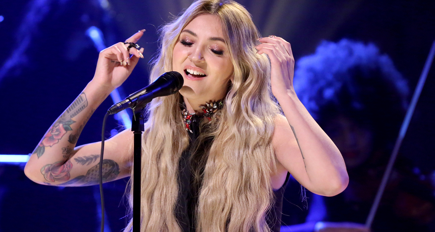 Julia Michaels Performs 'Issues' Live On 'The Tonight Show ...