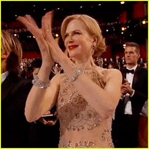 Nicole Kidman Explains Her Awkward Clapping at Oscars 2017