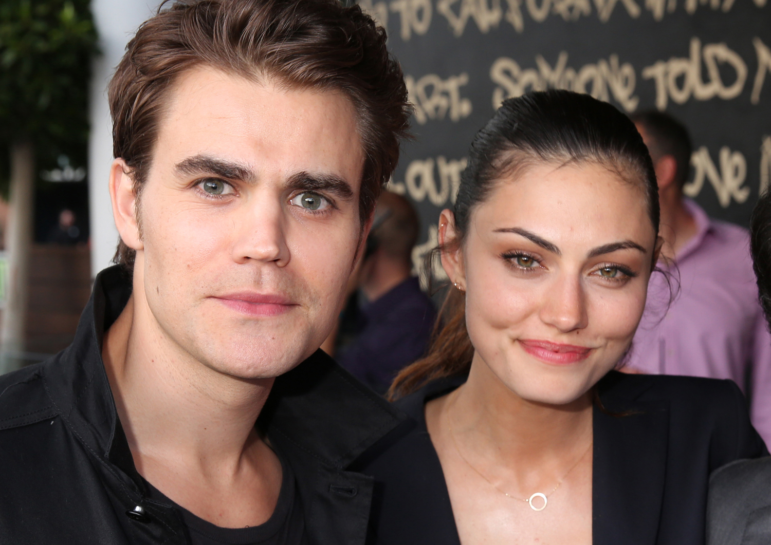 paul wesley and phoebe tonkin dating Paul wesley was spotted out on a date with his former vampire diaries costar phoebe tonkin on saturday, sept 21.