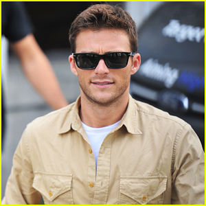Scott Eastwood Meets Teletubbies During 'Fate Of The Furious' Press Tour!