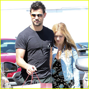 Billie Lourd Shops With Boyfriend Taylor Lautner Ahead of Public Memorial For Mom Carrie Fisher