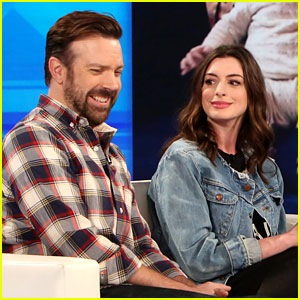 Anne Hathaway & Jason Sudeikis Discuss 'Peepee Teepees' with Ellen DeGeneres