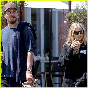 Charlotte McKinney & Ben Robson Grab Breakfast Together in Malibu