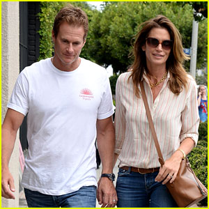 Cindy Crawford & Rande Gerber Are the Picture Perfect Casual Couple!