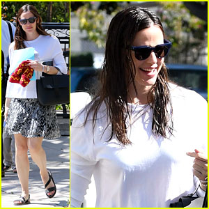 Jennifer Garner Takes Kids to Church After Ben Affleck Watches Daughter's Soccer Game