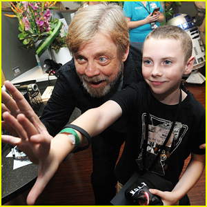Mark Hamill Surprises Sick Kids At Starlight Virtual Reality Launch In Orlando!
