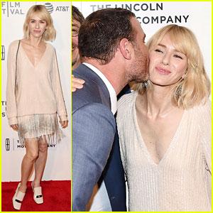 Naomi Watts Gets Kiss from Liev Schreiber at 'Chuck' Premiere