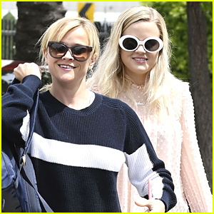 Reese Witherspoons Hangs Out with Daughter Ava in Santa Monica