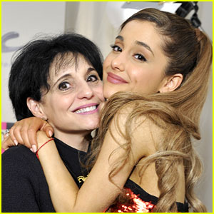 Ariana Grande's Mom Joan Tweets Touching Note for Manchester