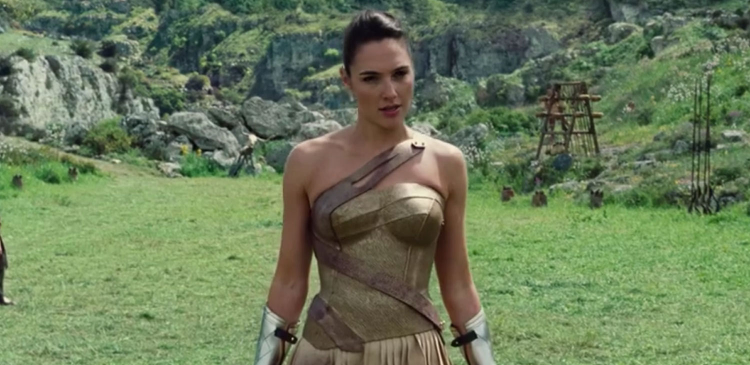 Gal Gadot Shows Off Her Sword-Fighting Skills in Two New