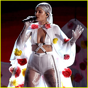 Halsey's Billboard Music Awards 2017 Performance Video - Watch Now!