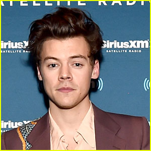 Harry Styles' Self Titled Album Debuts at No. 1 On Billboard 200