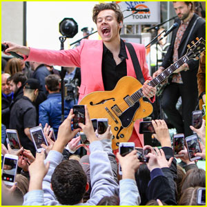 Harry Styles Debuts 'Carolina' During 'Today Show' Performance