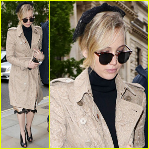 Jennifer Lawrence Takes a Break From Filming to Visit Buckingham Palace!