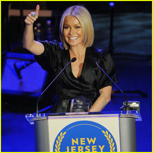 Kelly Ripa Gets Inducted Into New Jersey Hall of Fame!