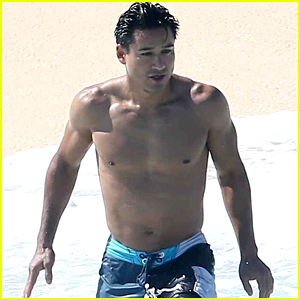 Mario lopez caught naked guys