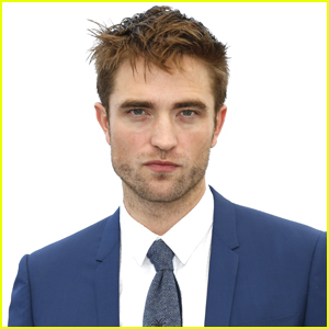 Robert Pattinson May Have Picked Up The Wrong Jacket In New York foto