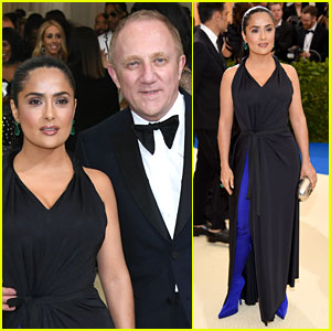 Salma Hayek's Met Gala 2017 Look Features Blue Thigh-High Boots