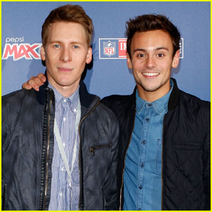 Tom Daley & Dustin Lance Black Marry in English Castle