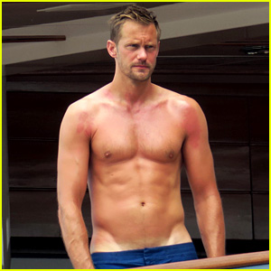 Alexander Skarsgard Flaunts Sunburned Body on a Yacht!