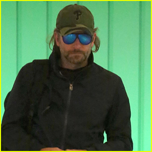 Bradley Cooper Catches a Flight Home After Filming 'A Star is Born' at Glastonbury