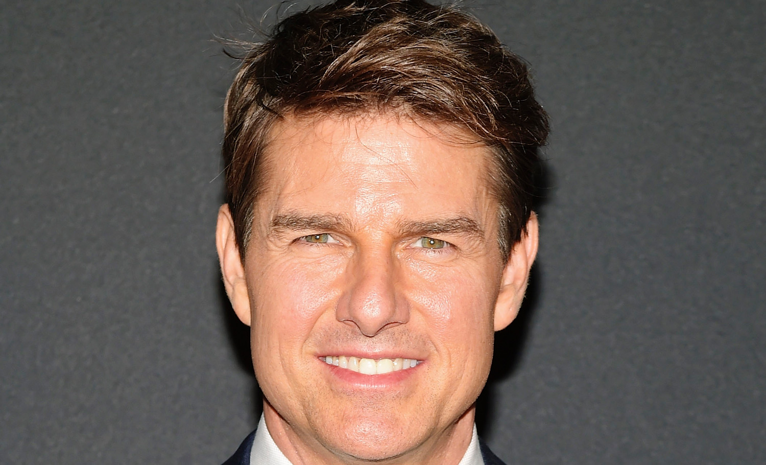 Tom Cruise Reveals Tit...