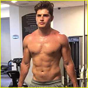 Gregg Sulkin Flaunts Toned Abs During Shirtless Workout