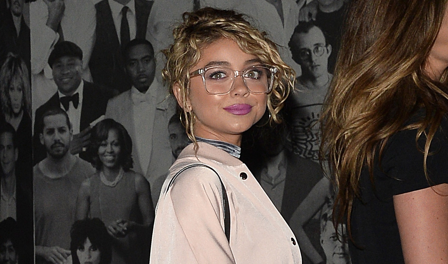 Sarah Hyland Keeps It Retro For Catch Up Dinner With