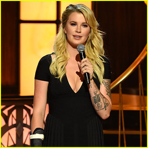 Ireland Baldwin Jokes About That Voicemail at Dad Alec's Roast