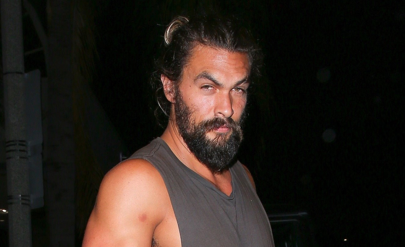 Jason Momoa Muscles Up at Dinner, Bares His Biceps