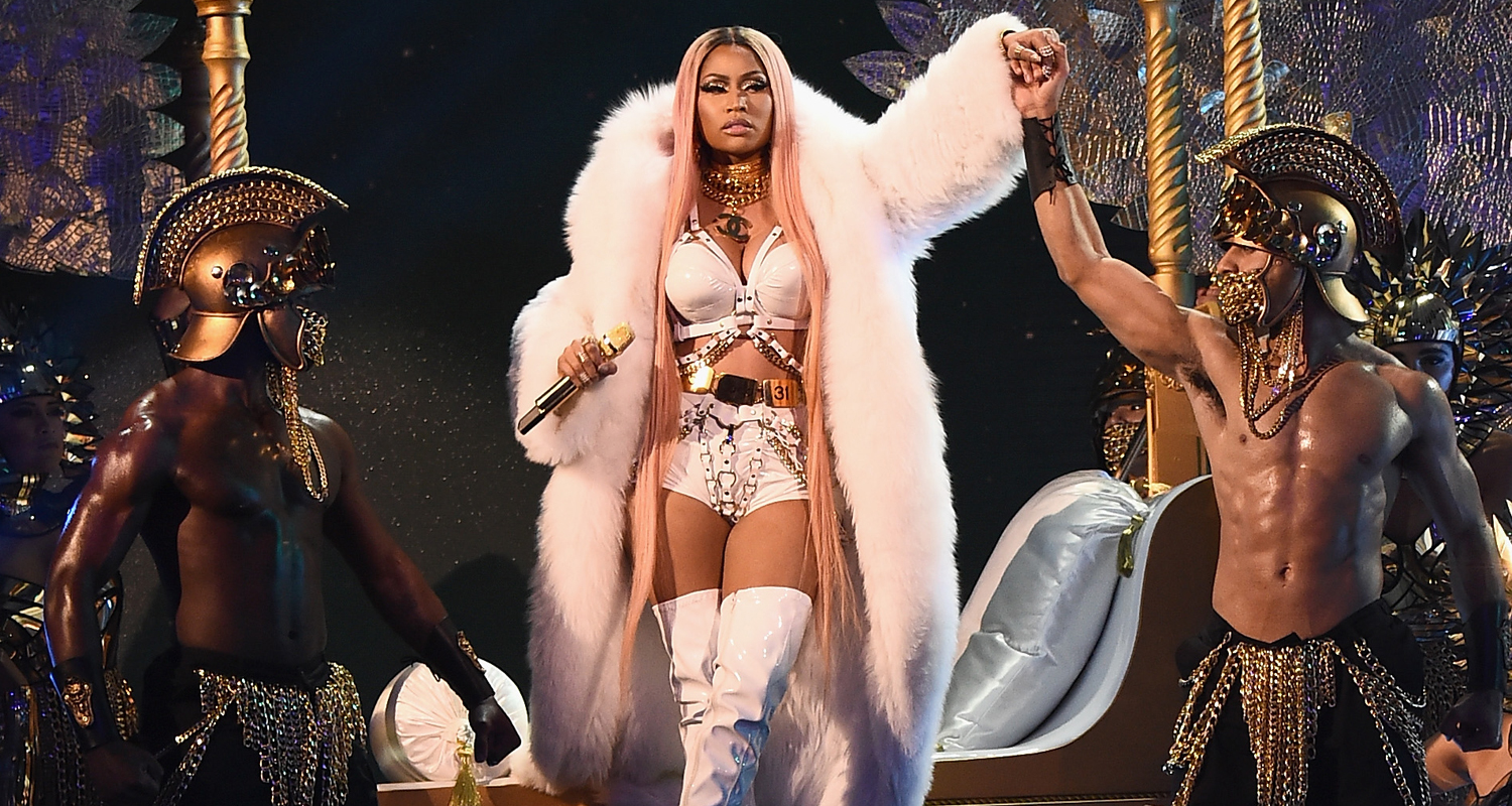 Nicki Minaj & 2 Chainz Take the Stage at NBA Awards ...