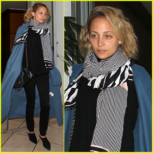 Nicole Richie Goes Makeup-Free After Announcing New Sunglasses Collection