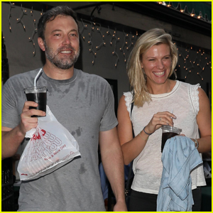 Ben Affleck & Lindsay Shookus Can't Contain Their Smiles After Pizza Date