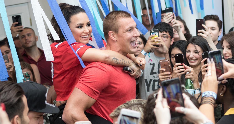 Demi Lovato Kicks Off Her House Party Tour With Rob Gronkowski! | Demi  Lovato, Rob Gronkowski : Just Jared