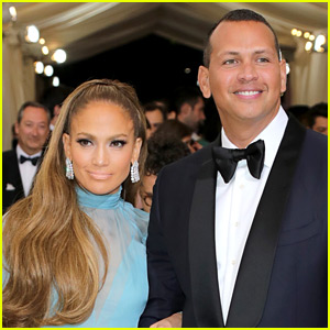 Jennifer Lopez Shares Sweet Photo of Alex Rodriguez with Their Kids!