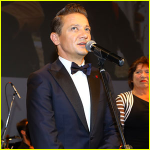 Jeremy Renner Receives Big Honor at Karlovy Vary Film Festival