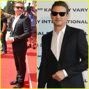 Jeremy Renner Premieres 'Wind River' After Double Arm Injury