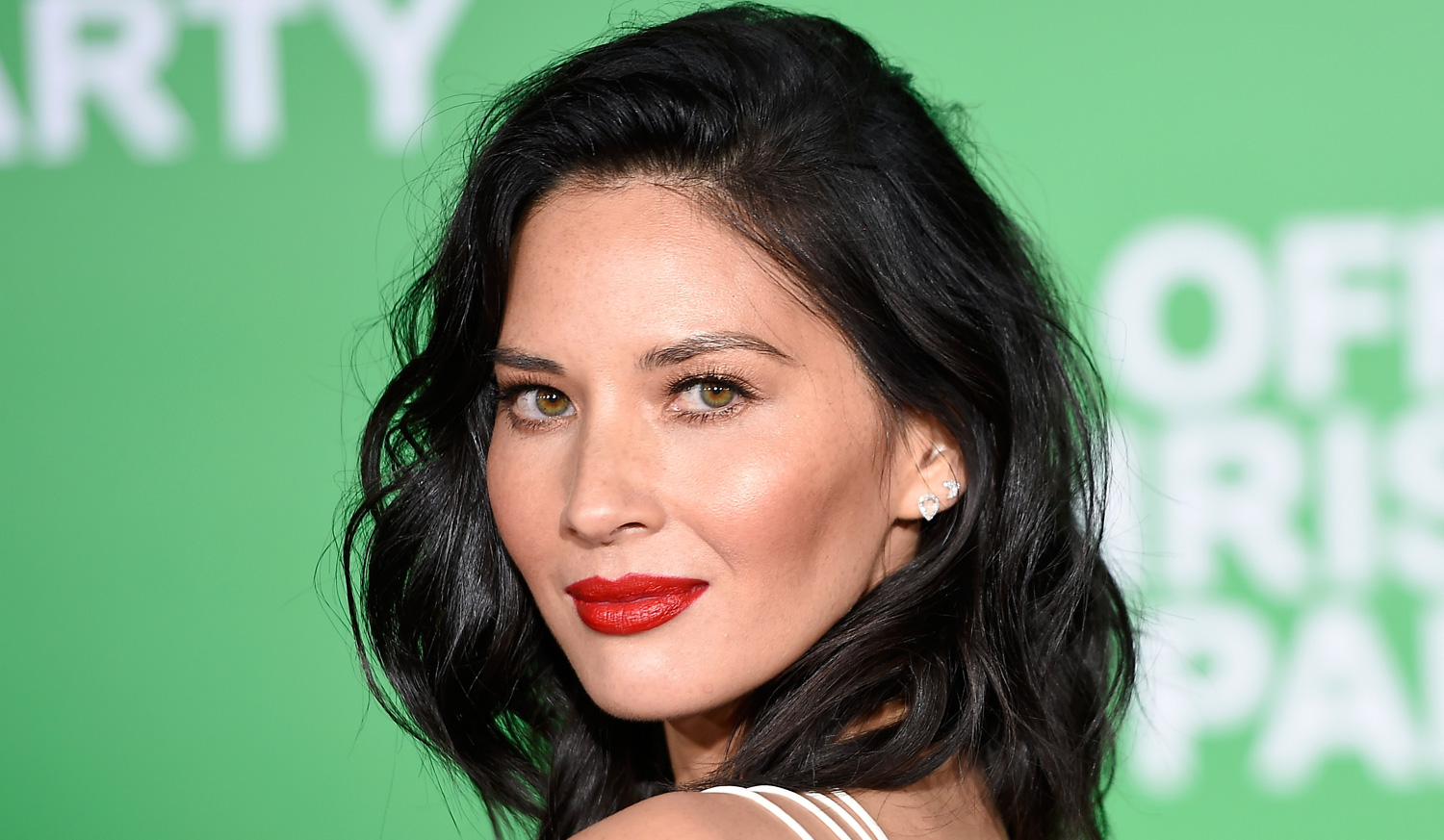 olivia munn joins history channel u2019s  u2018six u2019 for season 2